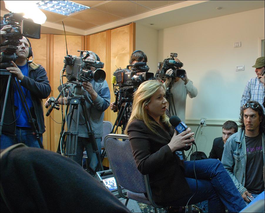 Эвелина Гельман: Дело Либермана: кому поют дифирамбы, а по ком читают кадиш. Репортаж из зала суда (часть 6-я)
