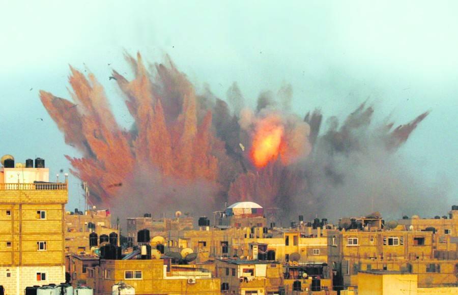 Леонид Комиссаренко: ХАМАС по-видимому обстреливал собственное население. Перевод с немецкого