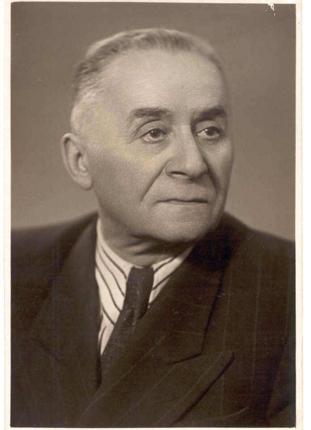 Борис Наровлянский
