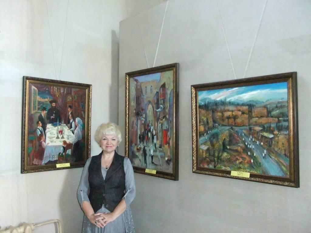 Работы израимльских художников в основной экспозиции Музея (Виктор Бриндач, Анна Зарницкая, Андриан Жудро)