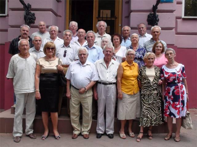 Встреча на 55-летие выпуска, 2013 год (прошло 3 года, троих из этой группы уже нет)