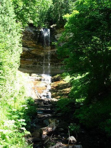 Водопад Munising Falls