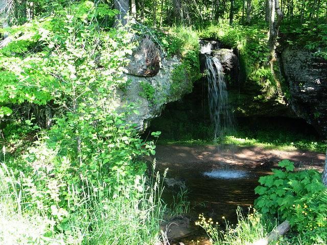 Водопад Scott Fals