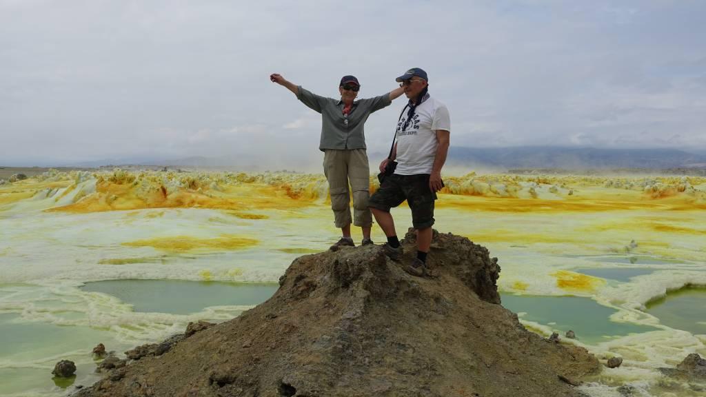 Впадина Данакиль. Вулкан Даллол. Кислотные вулканические озёра