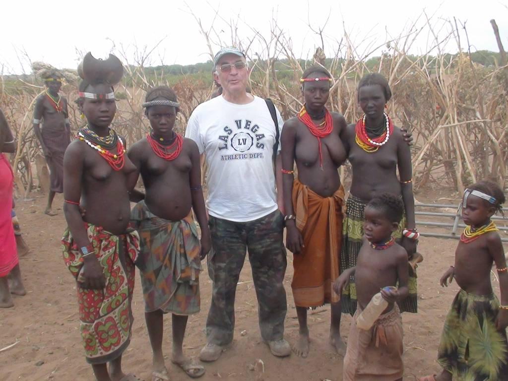 Девушки племени дасанеч на р.Омо