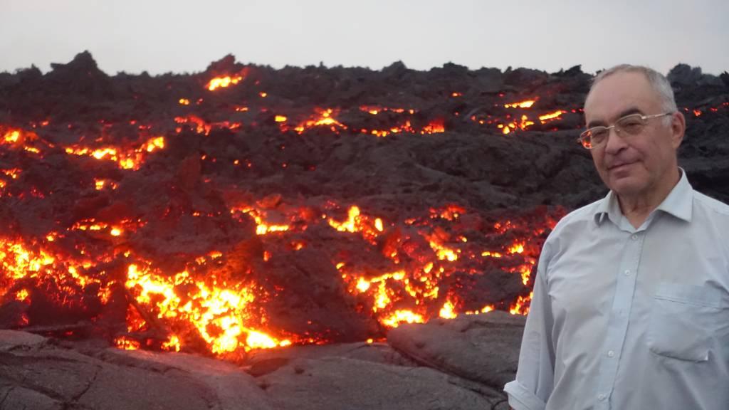 Эрта Але. 8 метров от потока лавы