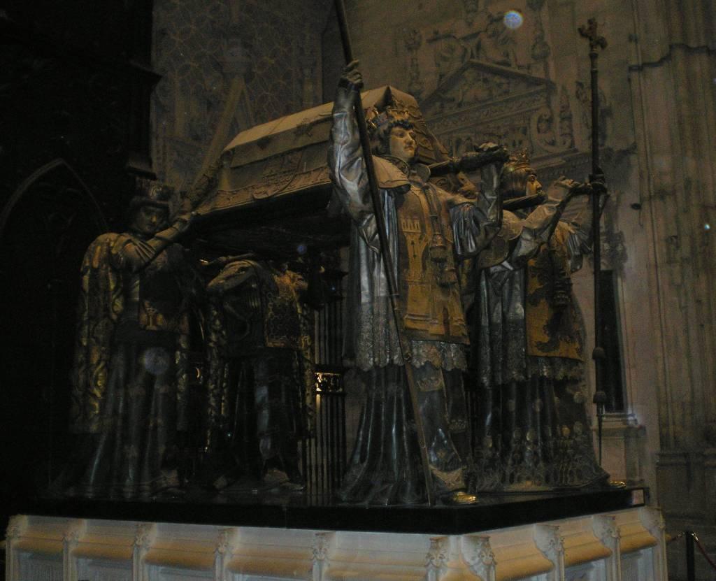 Севильский кафедральный собор, гробница Колумба