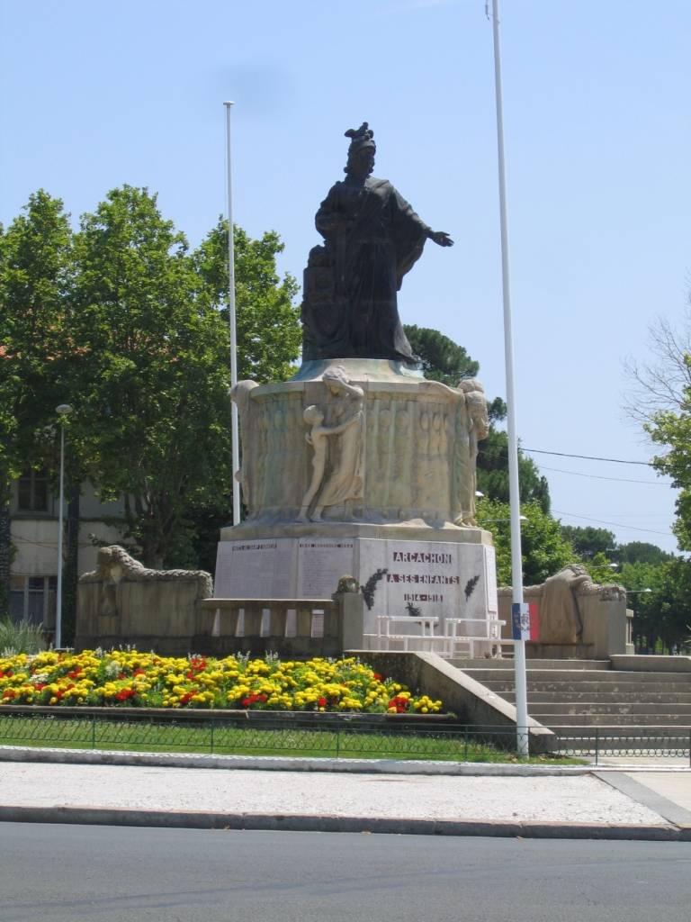 Plac de Verdun, памятник погибшим в Первую Мировую войну