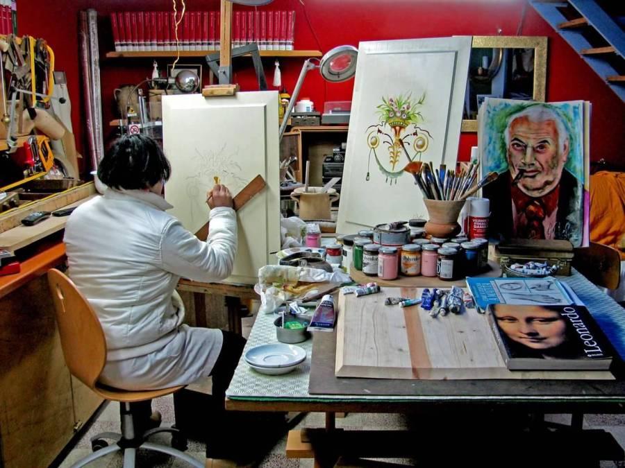 Маэстро Джованни Каталано в своей мастерской