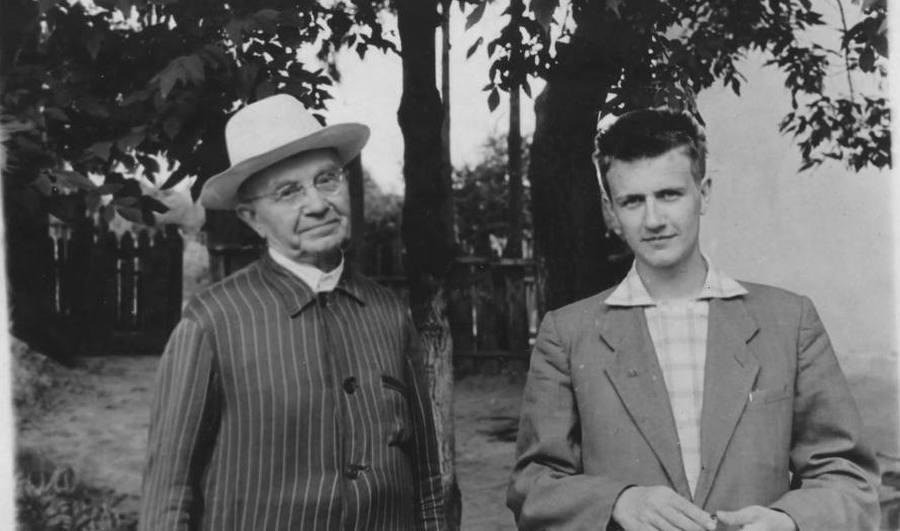 Борис Павлович Алисов с приемным сыном Колей Самойленко