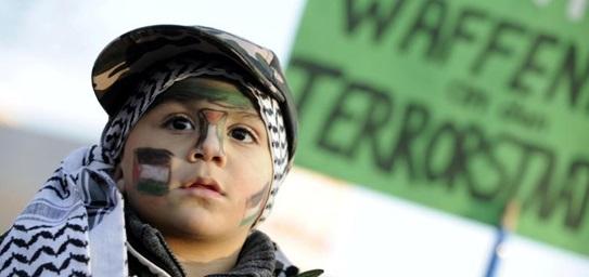 Берлинская демонстрация против военной операции Израиля в секторе Газа