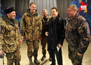 Во время второй чеченской войны (1999г.) он во фронтовых условиях пел для российского воинского контингента