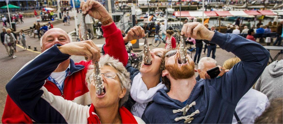 День селёдки в Голландии