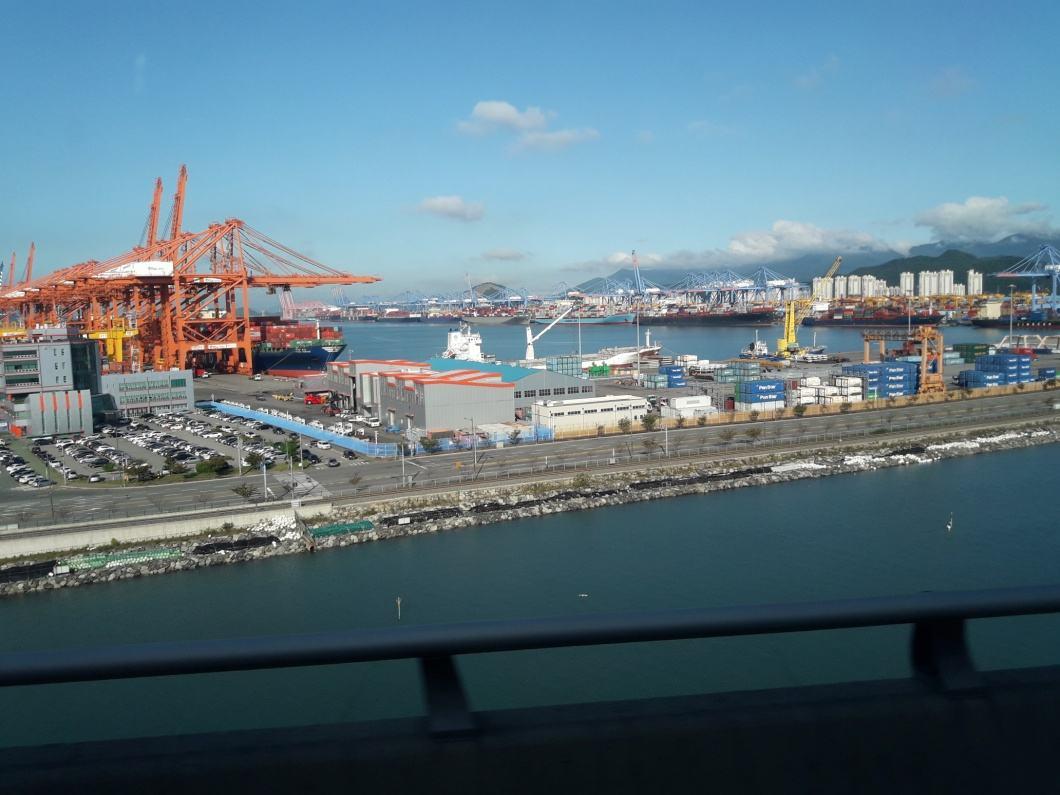 Морской порт Пусана