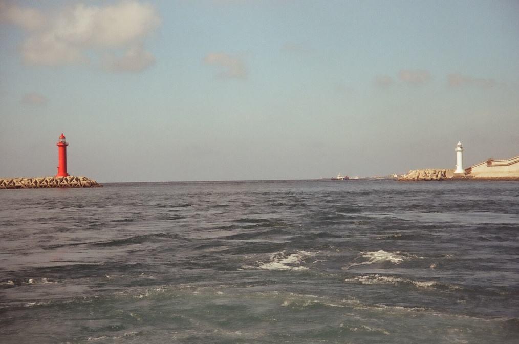 Морская прогулка. Ворота из бухты на простор