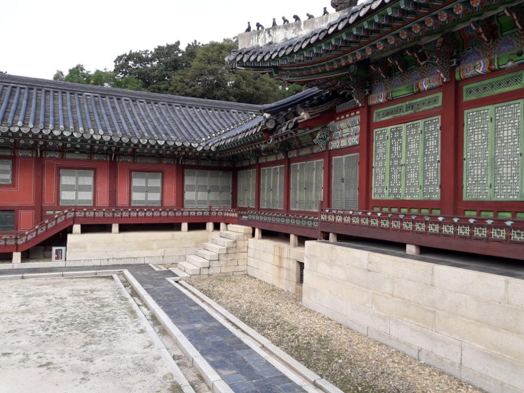 Одно из зданий дворцового комплекса династии Чосон