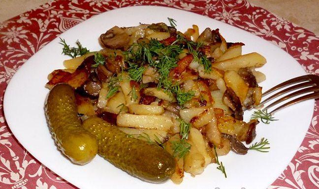 Жареная картошечка с огурчиком