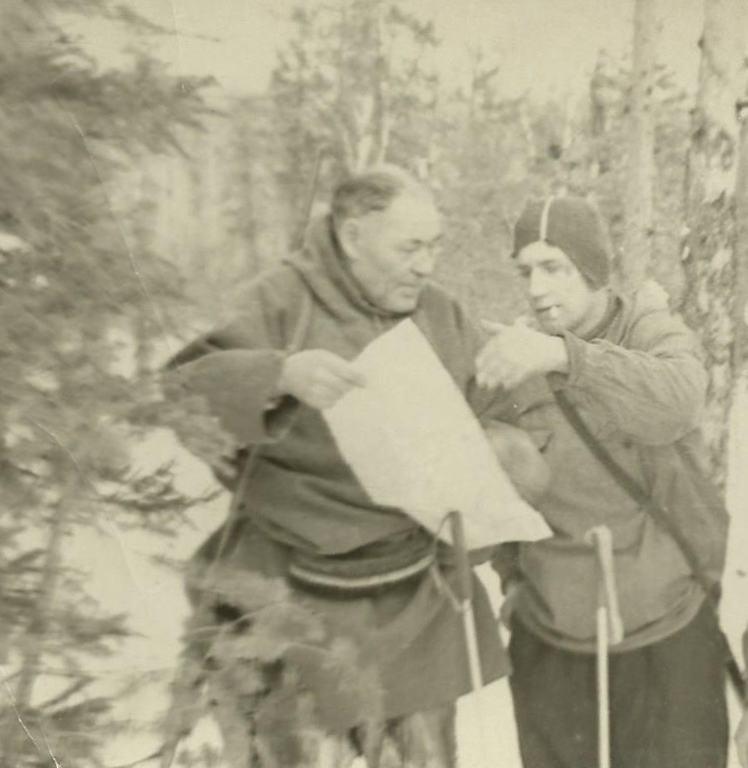 Из того похода: Слава Гуляев со стариком-манси