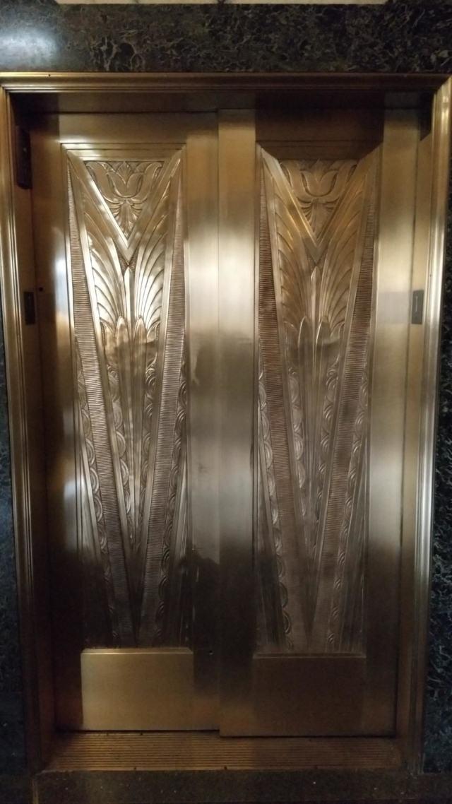 Дверь лифта в стиле Арт Деко