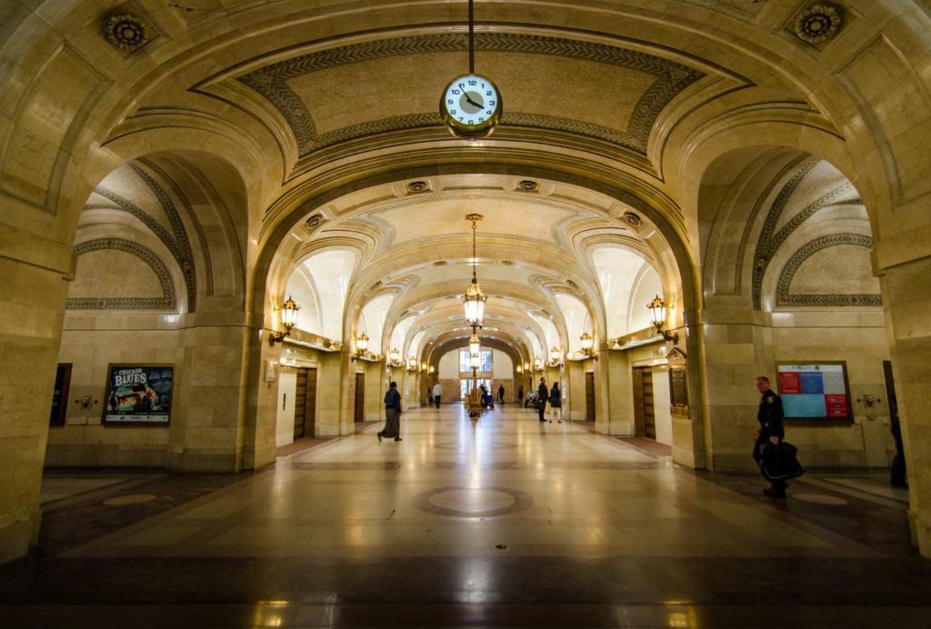 Лобби Chicago City Hall