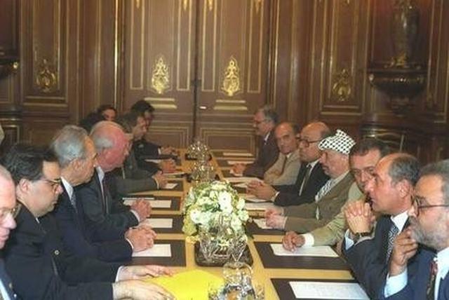Переговоры между Рабиным и Арафатом в присутствии Мубарака