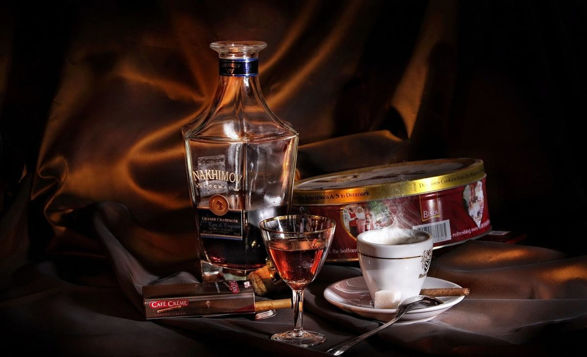 cognac + cafѐ + choсolat + cigar