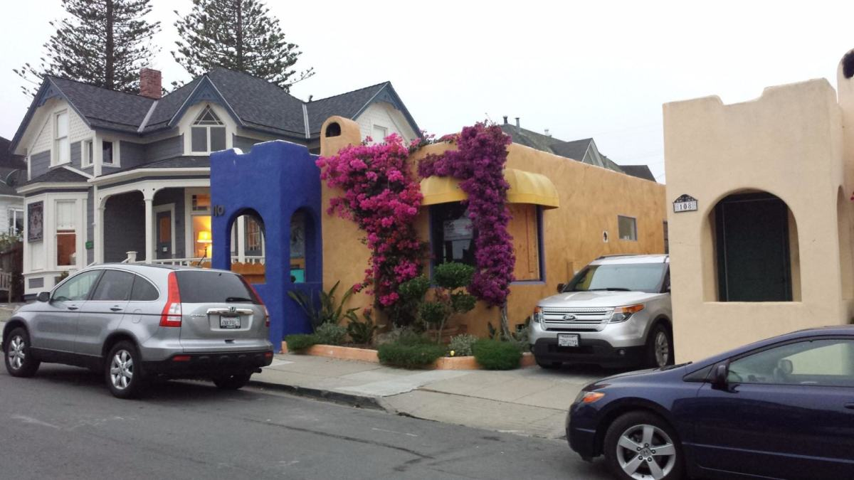 acific Grove. Современный дом в мексиканском стиле