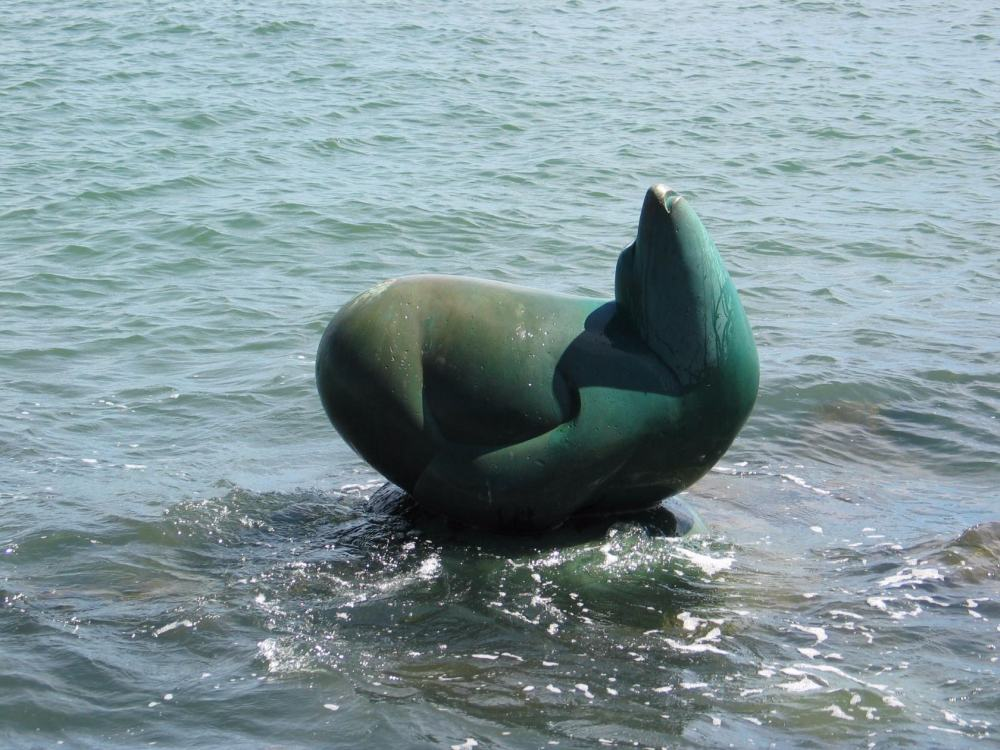 Sea Lion Sculpture by Al Sybrian — Местная русалка