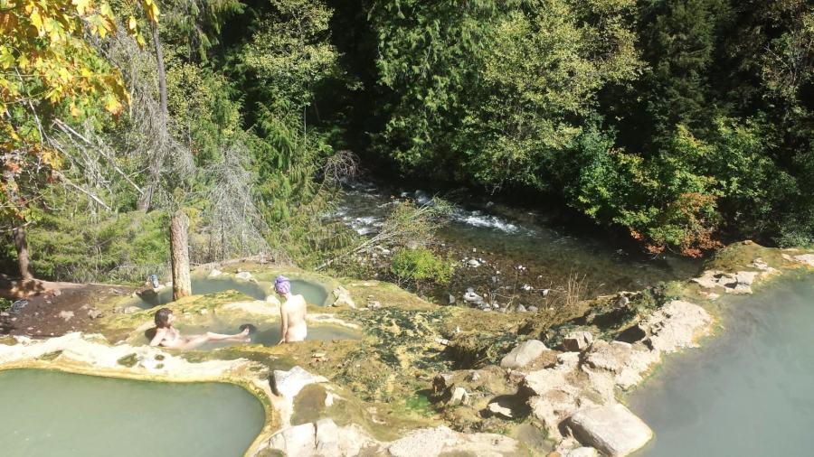 А это уже горячие источники Umpqua Hot Springs