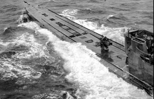Немецкая океанская подводная лодка типа IX D в походе
