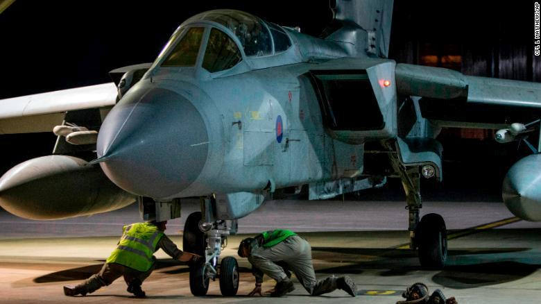 14 апреля 2018 года после удара по Сирии истребитель-бомбардировщик RAF Tornado вернулся на авиабазу в Акротири (Кипр)