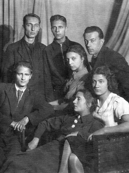 Семья матери Ольги Генкиной — Евгении Борисовны Деньщиковой