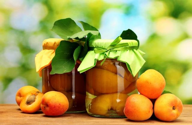 Маринованные фрукты