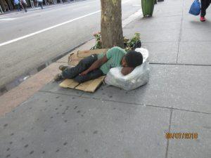 50. 5-долларовая подушка