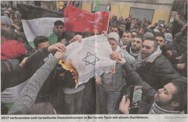 В 2017 году антиизраильские демонстранты в Берлине сожгли платог со Звездой Давида