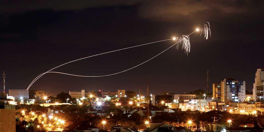 Работает «Железный купол». Фото: Amir Cohen, Reuters