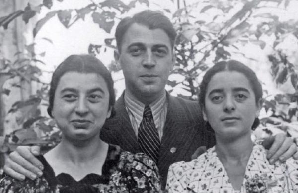 Слева направо: Рут, Хайнц и Маргот Баер, 1933 год