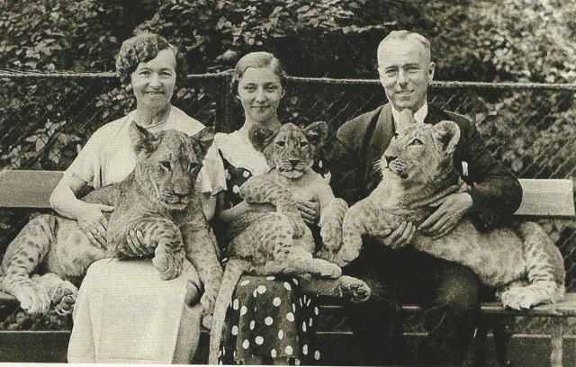 Ойген Зельбер с сестрой Бертой Рихтер и её дочерью в зоопарке Берлина