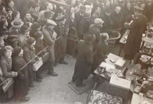 Аукцион еврейского имущества в Лёррахе, конец 1940 г.